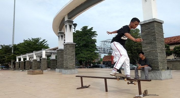 Nasib Pecinta Skateboard Kurang Perhatian, Di Sana Dilarang Di Sini Dimarahi
