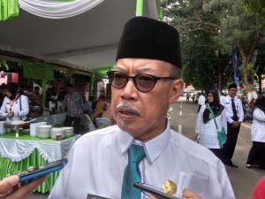 Kepala Kantor Kementerian Agama Kab. Rembang, Atho'illah. (Foto atas) Kantor KUA Sulang, yang mendesak untuk direhab.
