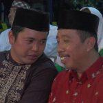 Bupati dan Wakil Bupati Rembang, Abdul Hafidz (baju merah) & Bayu Andriyanto asyik berbincang, dalam sebuah kegiatan, beberapa waktu lalu.