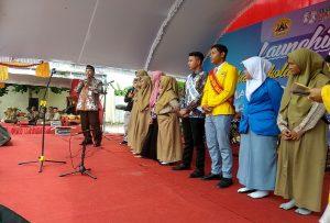 Bupati Rembang, Abdul Hafidz saat berdialog dengan pelajar SMA N 3 Rembang, Rabu (19/02).