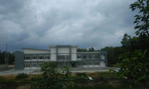 Kampus Undip di sebelah utara GOR Mbesi Rembang.