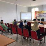 Komisi Pemilihan Umum (KPU) Kabupaten Rembang menunggu penyerahan berkas dukungan pasangan bakal calon dari jalur perseorangan, sampai Minggu tengah malam.