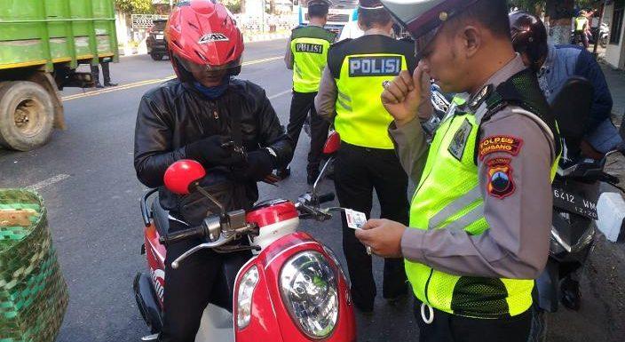 Punya SIM Tapi Kelupaan Membawa, Ditilang Tidak ?