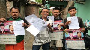 Suparno, bakal calon Bupati saat mengumpulkan KTP dari pendukung. (Foto atas) Gambar pasangan Sudaryo dan Suroto.