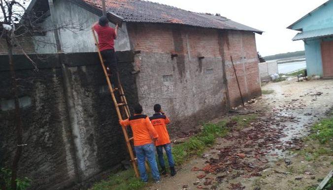 Di Ngelak 4 Rumah Rusak, Di Nglojo Atap TK Ambruk