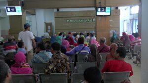 Pelayanan rawat jalan di RSUD dr. R. Soetrasno Rembang.