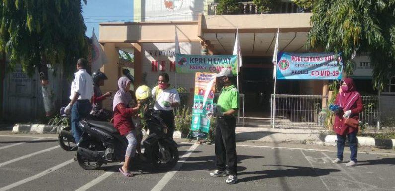 PGRI Turun Ke Jalan : Dikasih Masker Menolak, Polisi Bertindak