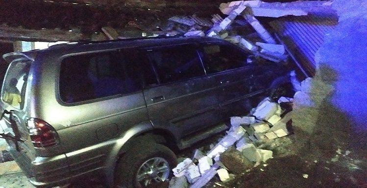 Breaking News : Mobil Kapolsek Tabrak Teras Rumah, Seorang Balita Meninggal Dunia