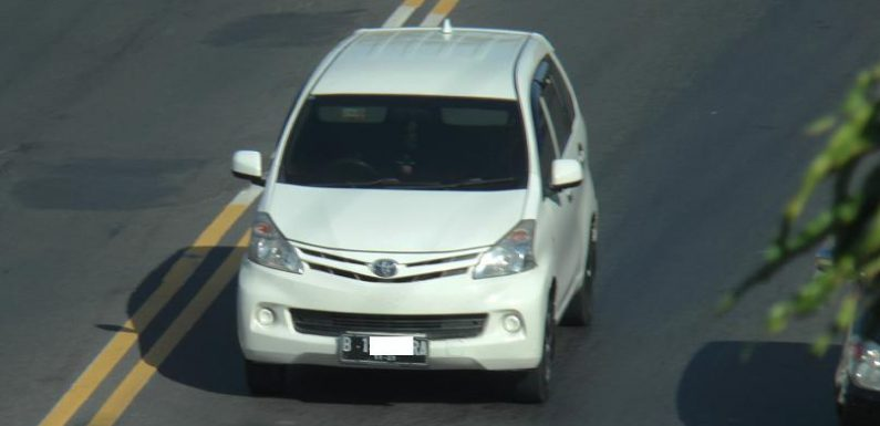 Meski Ada PSBB Di Jakarta, Banyak Mobil Plat B Masuk Pantura Rembang