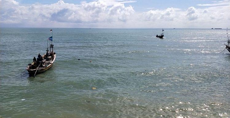 """Info Dari Nelayan Pendok : """"Ada Mayat Di Dekat Perahu Saya, Tapi Nggak Berani Ambil…"""""""