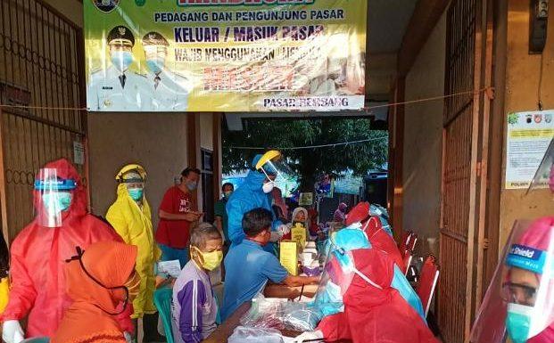 100 an Orang Di Pasar Rembang Jalani Rapid Test Covid-19, Ini Hasilnya
