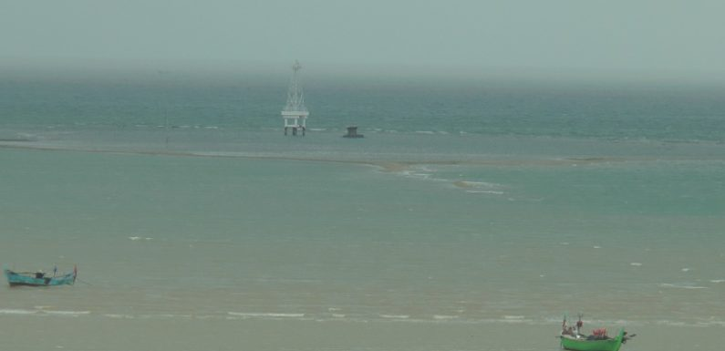 BPBD Pantau Ombak Pantura, Kontras Dengan Imbas Laut Selatan