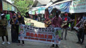 Aktivitas Ngamen Bareng di Pasar Rembang.