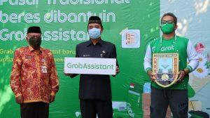 Peluncuran Grab Assistant di Pasar Rembang Kota, Kamis (25/06).