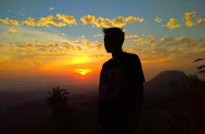 Keindahan sunrise dari Bukit Gading Desa Pakis, Kecamatan Sale.