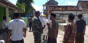 Suasana Desa Karangmangu, Kecamatan Sarang, di sekitar rumah pasien yang meninggal dunia.