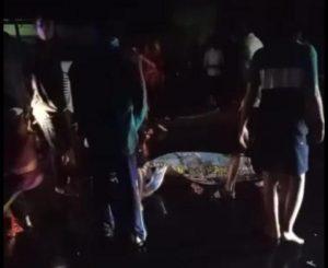 Jenazah korban di TKP, Senin malam (07/07).