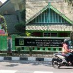 Gedung DPRD dan kantor DPC PPP Kabupaten Rembang.