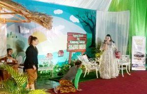 Talk show Suworo Ndeso diawali dengan dagelan di Pendopo Museum Kartini, Rembang. (Foto atas) Suasana Bupati Rembang, Abdul Hafidz dialog dengan warga, Minggu malam (30/08).