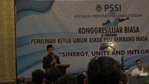 Wakil Bupati, Bayu Andriyanto membuka kongres, dengan agenda memilih Ketua Umum Askab PSSI Rembang, Rabu (16 September 2020).