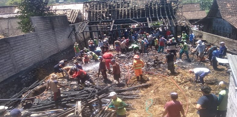 Kebakaran Di Desa Dowan, Apa Dugaan Penyebabnya ?