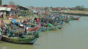 Deretan perahu di sungai Desa Tunggulsari, Kecamatan Kaliori, Jum'at (02/10).