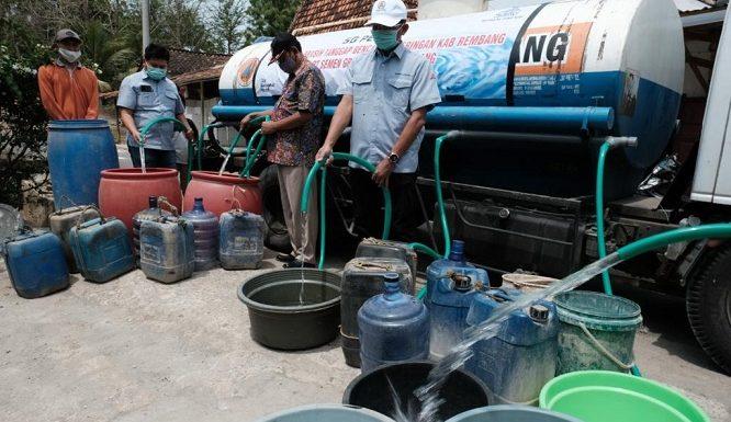 Tak Hanya Andalkan Anggaran Daerah, Pihak-Pihak Ini Turun Tangan Bantu Air Bersih