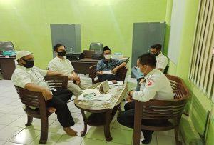 Komisioner Bawaslu Kabupaten Rembang menggelar rapat pleno, terkait dugaan ASN tidak netral dalam Pilkada.