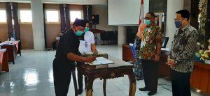Penandatanganan perjanjian kerja sama antara Pemkab Rembang dengan pihak Undip Semarang, Selasa (01/12).