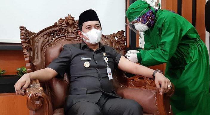 Wabup Bayu Andriyanto Divaksin, Beberkan Penyebab Kenapa Tidak Hadir Saat Kick Off Vaksinasi