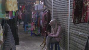 Lesunya perekonomian akibat pandemi Covid-19, mengakibatkan pelaku usaha di Rembang terpukul.