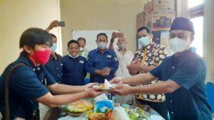 Tasyakuran HPN di Sekretariat PWI Rembang, dilanjutkan dengan ziarah kubur ke makam wartawan, Selasa (09/02).
