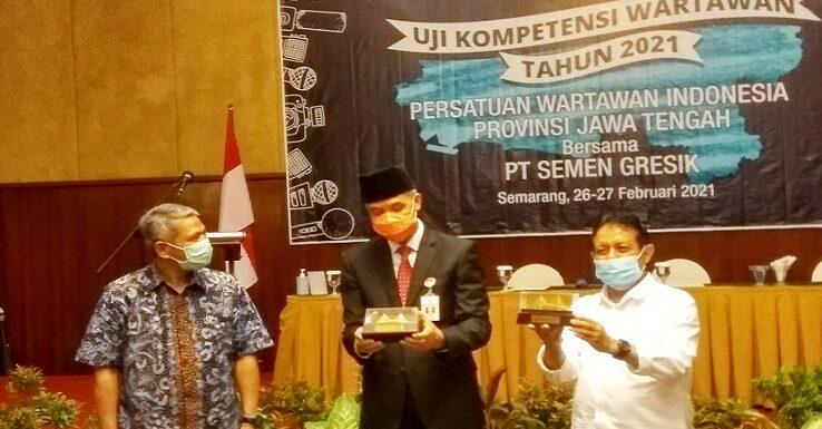 Gubernur Ganjar Pranowo Kisahkan Diteror Seorang wartawan, PWI Jateng Ungkap Pentingnya UKW