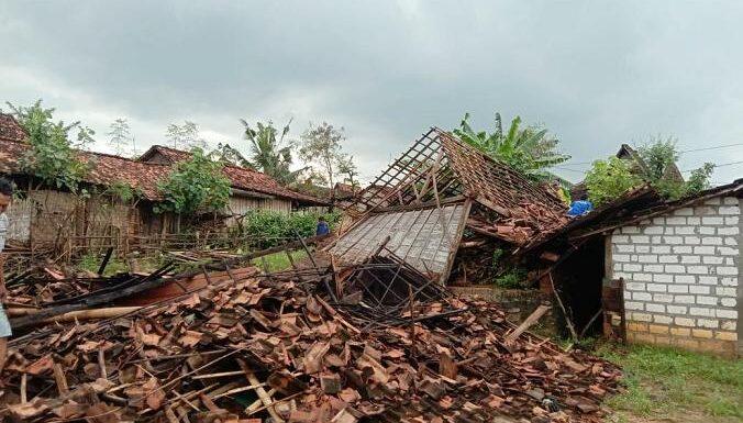Kisah Mbah Kliwon Dan Keajaiban Di Tengah Bencana