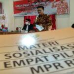 Edy Wuryanto memberikan sosialisasi 4 Pilar di Gedung PPNI Rembang, Selasa (16/03).