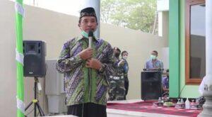 Bupati Rembang, Abdul Hafidz saat hadir dalam peresmian Musholla Al Karomah Desa Kabongan Kidul, Kamis sore (01/04).
