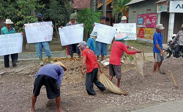 Kerusakan Semakin Parah, Warga Ancam Blokir Jalan Yang Dilalui Truk Gas