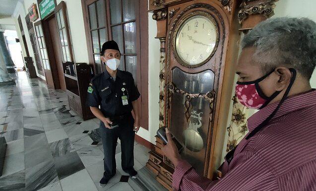 Mengintip Kegiatan Cek Jam Jelang Ramadhan, Perbedaan Waktu Diantisipasi Dengan Tafawut