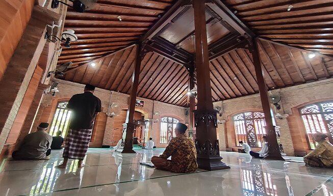 Meski Dipugar, Deretan Benda Peninggalan Asli Sunan Bonang Ini Masih Utuh Di Masjid