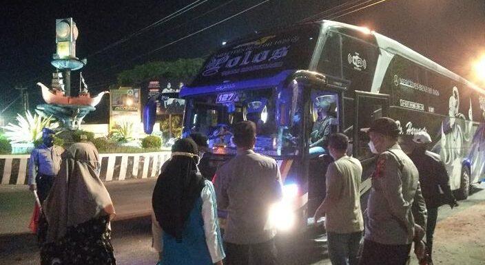 Pemudik Semakin Meningkat, Polisi Putar Balik 2 Bus
