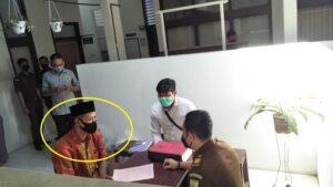 Sumani, tersangka pelaku pembunuhan 1 keluarga dilimpahkan ke Kejaksaan Negeri Rembang, Senin (10/05).