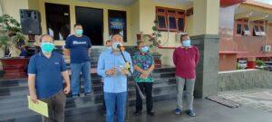 PJ Sekda Rembang, Edy Supriyanta didampingi pejabat terkait memberikan keterangan pers. (Foto atas) ruang isolasi penanganan Covid-19 RSUD dr. R. Soetrasno Rembang.