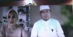 """Pembawa acara, Chaca Annisa dan Da'i pengisi PWI Bermunajat """"Mengetuk Pintu Langit"""", Ustadz Das'ad Latif."""