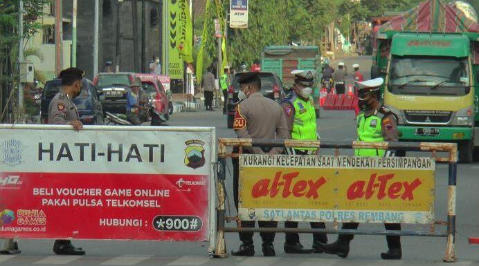 Pro Kontra Penutupan Jalan : Warga, DPRD Hingga Kapolres Angkat Bicara