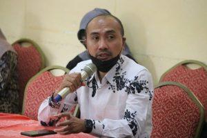Endro Dwi Cahyono, Ketua Amphuri Jawa Tengah. (Foto atas) Tangkapan layar live TV dari Ka'bah, Masjidil Haram, Selasa siang (28/09) waktu Indonesia.