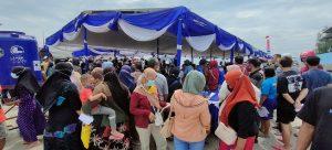 Antusias warga yang ingin mengikuti vaksin di Pelabuhan Tasikagung, hari Selasa (21/09) tergolong tinggi.
