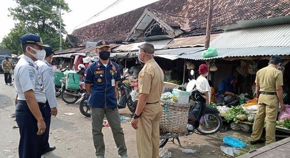 Urai Kesemrawutan Pasar Rembang : Pedagang Tidak Resmi Boleh Berjualan, Asal Patuhi Syarat Ini