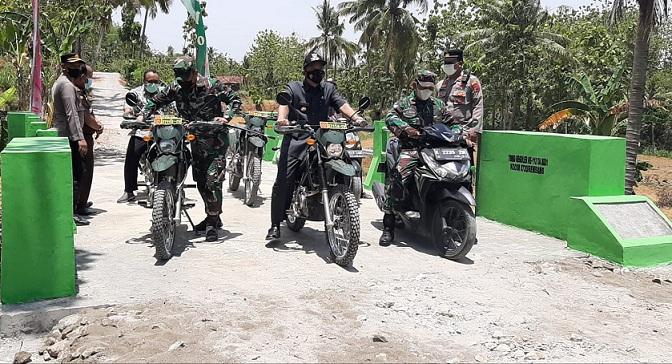 Pantau Jalan Makadam Hasil TMMD Dengan Motor Trail, Bupati Ungkap Keinginannya