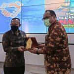 Wakil Bupati Rembang (berkaca mata) bersama Kepala BNN Provinsi Jawa Tengah, Rabu (13/10).
